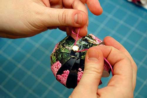 Поделки ёлочная игрушка своими руками из бумаги