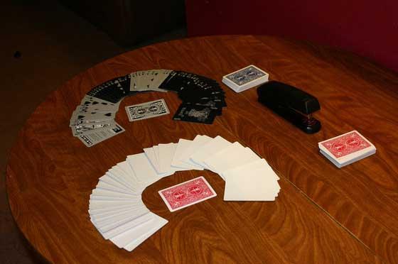 Как сделать шляпу из игральных карт (32 фото)
